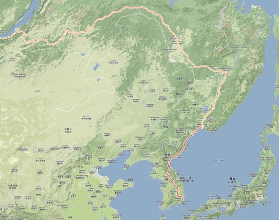 Rusové navrhují protáhnout Transsibiřskou magistrálu (oranžově) z Vladivostoku
