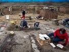 Archeologové pracují na vykopávkách v pražském Karlíně