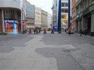 Stavem ulice 28. října u Masarykova náměstí se Ostrava pyšnit rozhodně nemůže. (11. listopadu 2013)