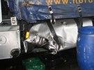 Poničený kamion, do kterého hodinu před půlnocí 14. 11. narazila u Samšiny na...