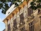Živnobanka - Návrhy na lunetovou výzdobu budovy jsou dílem Mikoláše Alše.