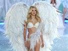 Při předvedení kolekce luxusního bílého prádla doplněného typickými andělskými...