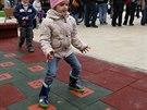 """Na náměstí si děti mohou zaskákat oblíbeného """"panáka""""."""