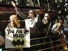 Malého Batmana v ulicích San Franciska povzbuzovaly davy nadšenců. Jeho přání...