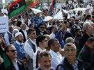 Obyvatelé Tripolisu v pátek protestovali proti ozbrojeným milicím, které jsou v...
