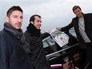 Jan Hájek, Radek Štěpánek a Tomáš Berdych (zleva) na startu triumfální jízdy z Brna do Prostějova.