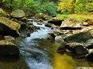 Většina toku Krounky je divoký a nespoutaný. Voda přeskakuje v kaskádách přes