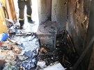 Hasiči zasahovali u požáru maringotky v Jasenné (10.11.2013).
