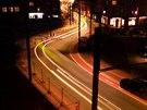 Lidé si stěžují, že v noci bývá málo světla na opravené Dukelské třídě a ulici...