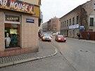 Dívka přecházela Poděbradovu ulici v Náchodě a přejel ji přívěsný vozík. Na...