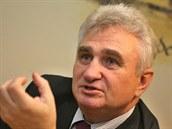 P�edseda Sen�tu Milan �t�ch (�SSD) p�ijal pozv�n� k rozhovoru pro MF DNES v...