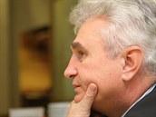 Předseda Senátu Milan Štěch (ČSSD) přijal pozvání k rozhovoru pro MF DNES v...