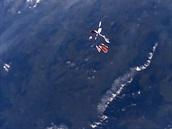 Pohled na vzdalující se Stratokeše po vypuštění ve výšce 30 405 metrů.