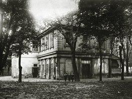 Pohled na restauraci na Štvanici. Rok 1909.