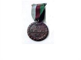 Medaile Marie Dickinov� pro zv��ec� v�le�n� hrdiny se ud�luje ve Velk� Brit�nii.