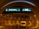 Tunel Blanka bude dlouh� �est a p�l kilometru. Automobily ho projedou za zhruba...