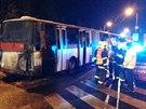 Požár autobusu MHD v pražské Podbělohorské ulici.