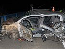 Po nehodě je spolujezdkyně s vážnými zraněními v nemocnici.