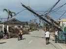 Tajfun zdevastoval i rozvody elektrické energie.