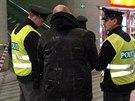 Policisté ve vestibulu pražského hlavního nádraží postřelili agresivního...