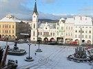 Pohled na Krakonošovo náměstí v Trutnově v úterý ráno