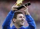 ZAPÓZUJU VÁM. Útočník Barcelony Lionel Messi ještě před výkopem utkání proti...