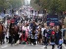 Jezdci projeli Pa��� na protest zv�en� DPH (Pa��, 24. listopadu 2013)-