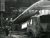 V akci. K požáru přijely stovky hasičů z Polska a třeba i ČSSR.