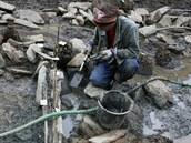 """Pozůstatky """"zlatého dolu"""" objevili archeologové několik metrů pod zemí."""