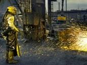 Je to hutník nebo pekelník, který si hraje s ohněm?