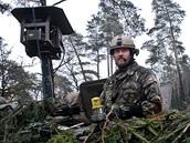 Průzkumné vozidlo LOS českých jednotek během cvičení Sabre Junction II v