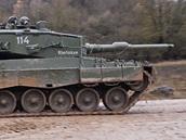 Nepřátelský tank Leopard norské armády během cvičení Sabre Junction II v