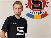 Sparťanský fotbalista Ladislav Krejčí v retrodresu.