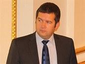Jan Ham��ek v �vodu sch�ze, na kter� poslanci vol� nov� veden� Sn�movny.