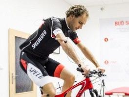 NOVÝ POSED. Cyklista František Raboň vymění silniční kolo za to horské, na kterém se musí sžít s novou pozicí.