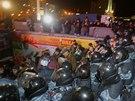 Policie v Kyjev� rozehnala protest odp�rc� prezidenta Viktora Janukovy�e.