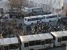 Ukrajinští těžkooděnci v ulicích Kyjeva (3. prosince 2013)