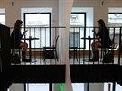 Café Placzek, Brno - V domě původně sídlila prodejna textilu, která měla v...