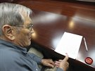 Záběr severokorejské agentury KCNA, na níž Merill Newman po svém zadržení na...
