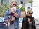 Chris Hemsworth s manželkou a dcerou
