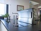 Výsuvné elektrické zásuvky i výsuvná digestoř - praktické vychytávky usnadňují