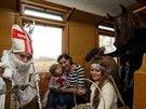 Na železniční trati mezi Olomoucí a Bohuňovicemi jezdil v pátek mikulášský vlak...