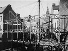 Stavba obchodního domu na konci 20. let minulého století