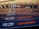Všechny lety z Hamburgu byly kvůli vichřici ve čtvrtek i v pátek zrušeny.