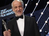 Italský herec Tony Servillo vyhrál za roli ve Velké nádheře
