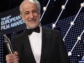 Italsk� herec Tony Servillo vyhr�l za roli ve Velk� n�dhe�e