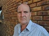 Paul O'Sullivan, jihoafrický vyšetřovatel, který se dlouhodobě zabývá případem...