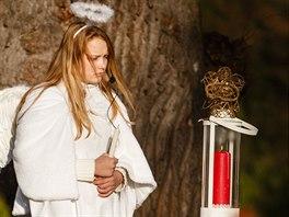 Na loučeňském zámku zahájili advent rozsvícením největšího adventního věnce,...