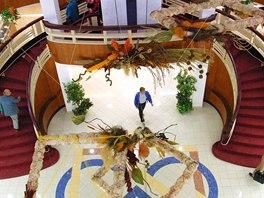 V roce 2000 se kvůli neodborné rekonstrukci zřítily tři stropy a část střechy.