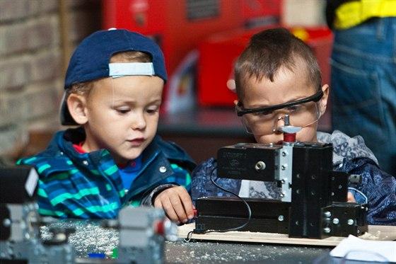 Svět techniky - Nebát se a hrát si